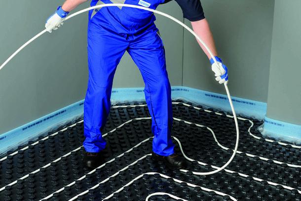 Uponor a obtenu un Avis technique pour sa solution Comfort Pipe Plus, destinée à la réalisation de planchers chauffants et rafraîchissants. [©Martin Zitzlaff pour Uponor]