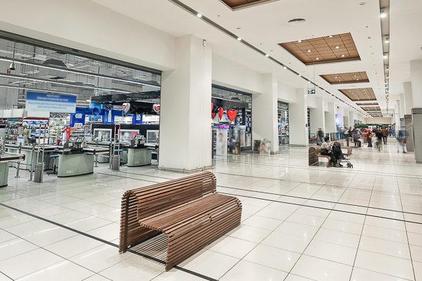 La chape fluide fait son entrée dans les locaux P4S de type grandes surfaces et supermarchés. [©Lafarge France]