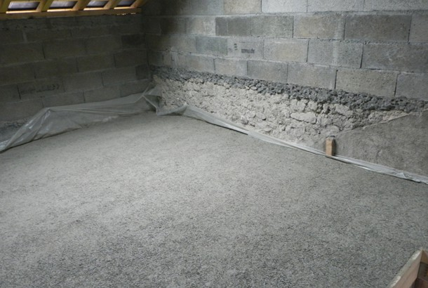 Les chapes légères se mettent en œuvre, en rénovation ou à l'occasion d'une extension, généralement en étage pour ne pas alourdir la charge du plancher bois. [©Agresta]