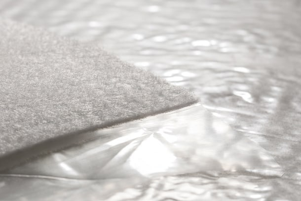La Tramichape est une sous-couche acoustique mince, qui se place sous la chape. [©Tramico]