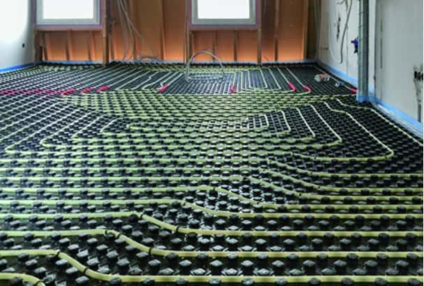L'essor et le succès des chapes fluides sont liés au développement du chauffage par le sol. [©Technisol]