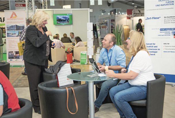 Gabriela Gottwald (à gauche) est la directrice de la BauAkademie de Bavière, co-organisatrice du salon EPF. [©EPF]