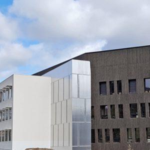 Le projet rassemble un collège, un lycée et les équipements nécessaires aux 2 560 élèves du lieu. [©Astruc]