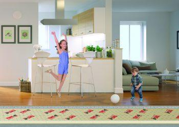 TMS dB de Soprema est idéal pour les systèmes de chauffage intégrés dans le sol des bâtiments résidentiels et/ou tertiaires. [©Soprema]