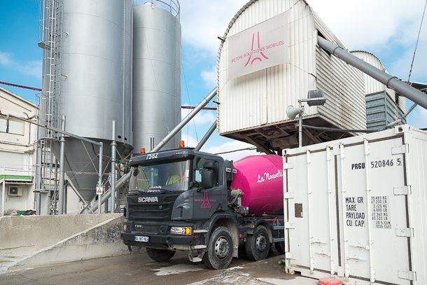Béton Solutions Mobiles propose la chape fluide ciment Cemexa. [©ACPresse]