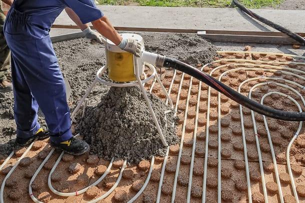 Le NF DTU 26.2 s'applique aux chapes et dalles non structurelles à base de liants hydrauliques, réalisées en locaux intérieurs. [©Arcangelo Piai/Ormet]