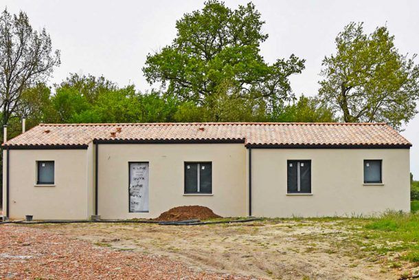 Chape fluide pour une maison neuve de 130 m2 au sol, et équipée d'une pompe à chaleur air/eau, alimentant un plancher chauffant. [©Gérard Guérit]