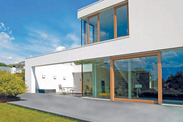 Terrasse sur terre-plein en extérieur