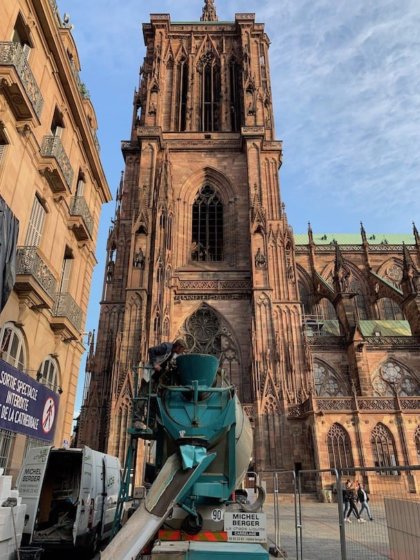 Pour un musée, l'entreprise Michel Berger est intervenue sur le parvis de la cathédrale de Strasbourg.
