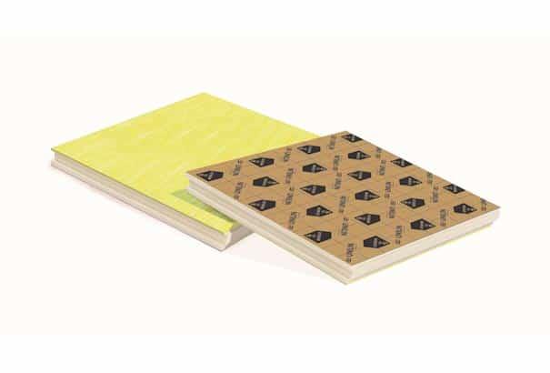 Les plaques UTHERM floor CONFORT dB s'appuie sur une association de polyuréthane et d'une sous-couche isolante acoustique. [©Unilin]