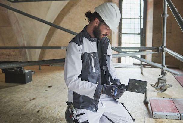 Mewa dessine les vêtements en fonction des métiers