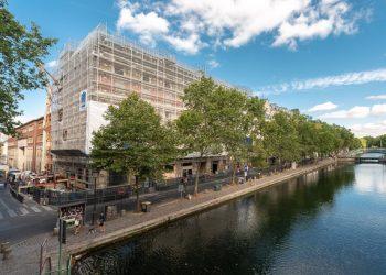 Quai de Valmy, à Paris, la Ville de Paris transforme un ancien entrepôt en logements sociaux. [©ACPresse]