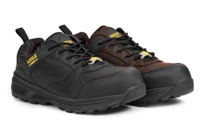 La Solter S3 est une a chaussure ultra légère, idéale pour un usage courant et quotidien au travail. Sa semelle bi-densité offre souplesse et légèreté. [©Aigle]