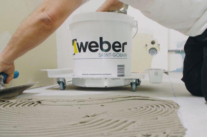 Le Weber Porte-seaux est le fruit d'une collaboration entre Weber incubateur et Jean-Jacques Carbon, carreleur de son état. [©Saint-Gobain]
